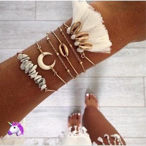 Jewelry - NEW Gold Feather & Shell Bracelet Set - 4 for $20!